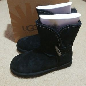 Ugg meadow black boots size 7